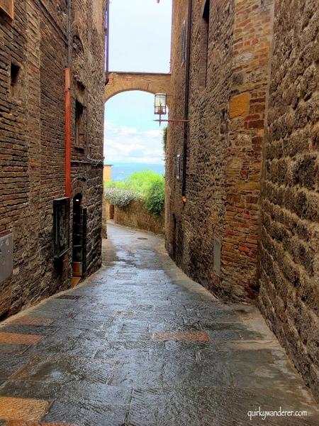 Back alleys SG