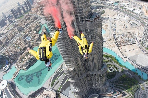 BASE JUMPING at Burj Khalifa Dubai, Top Adventure Activities In Dubai