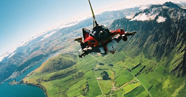 interlaken skydive, Switzerland, Best Places In The World To Go Skydiving
