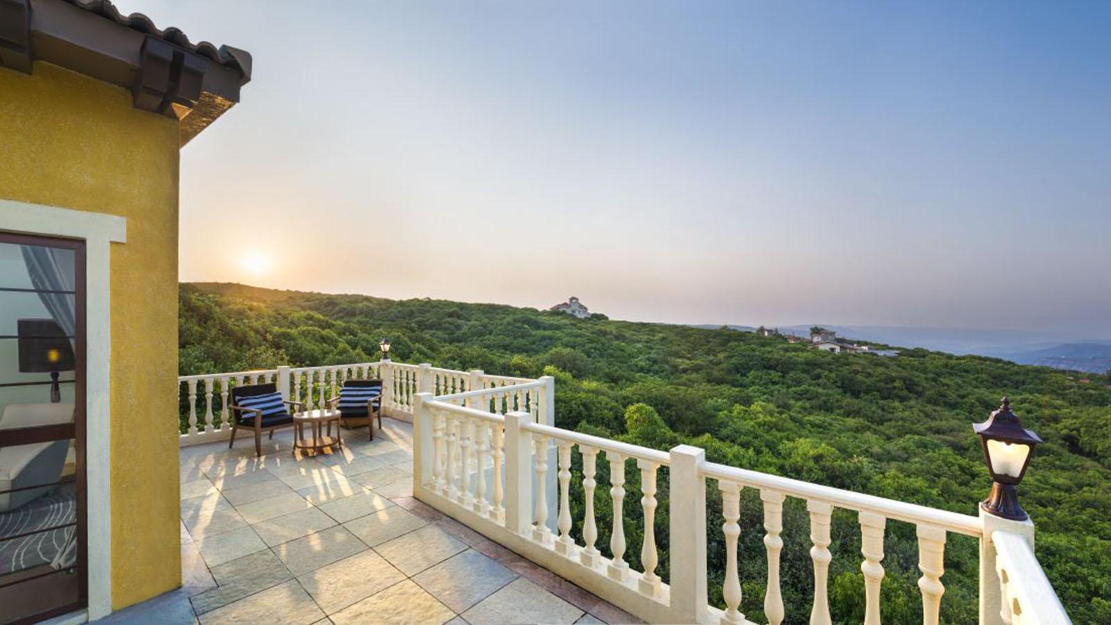 Le Meridien Mahabaleshwar Resort & Spa,Romantic Resorts Near Mumbai