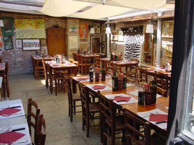 Nightlife In Mcleodganj, nick's italian cafe