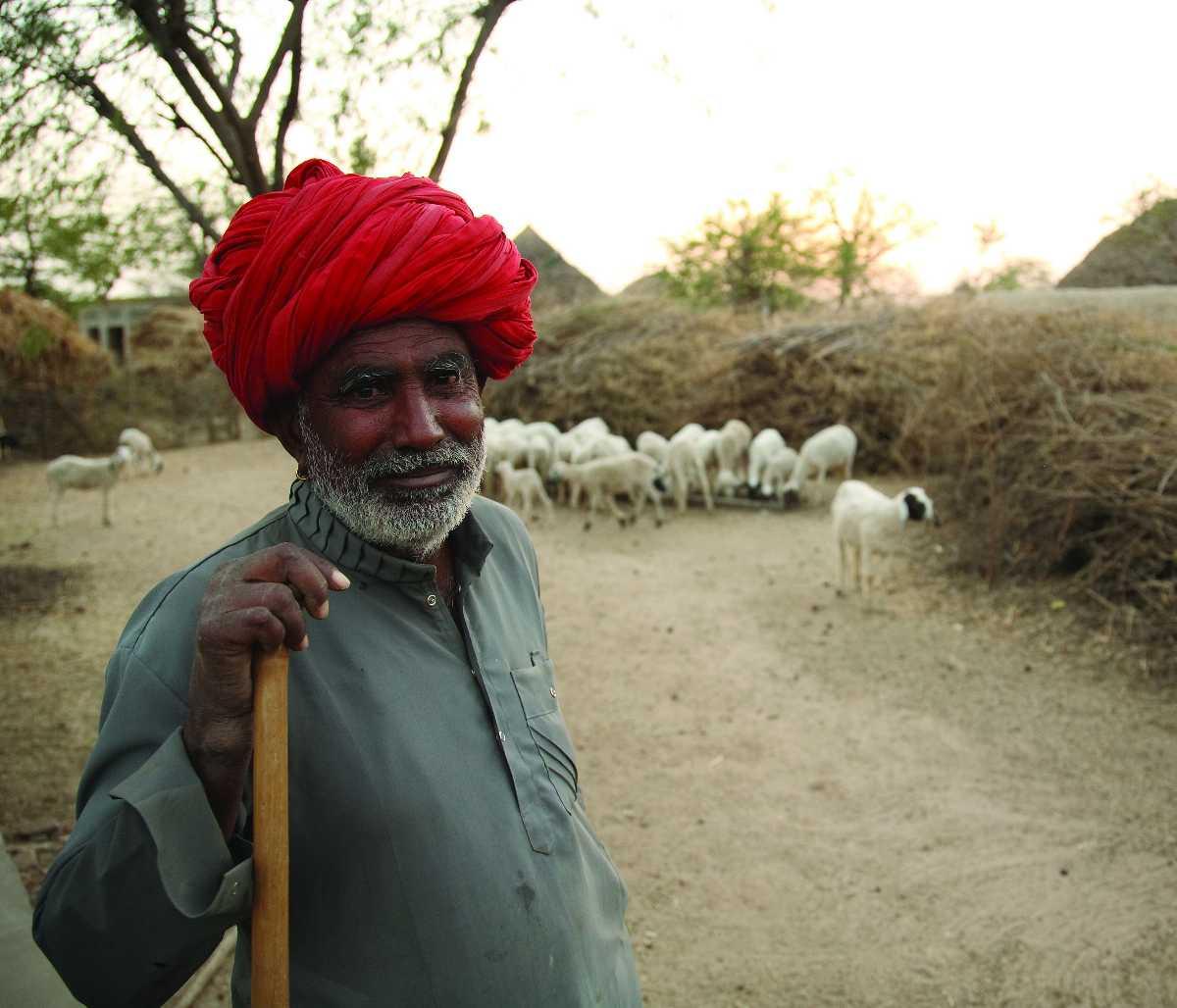 44051dda60 Madhya Pradesh Traditional Dresses of Men and Women