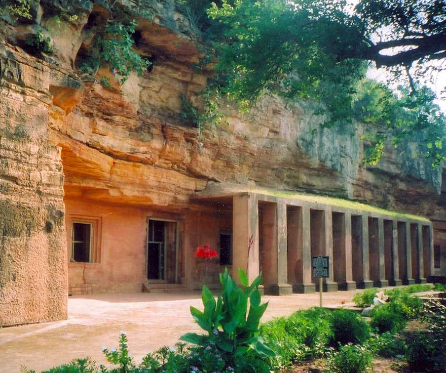 caves in india, bagh caves