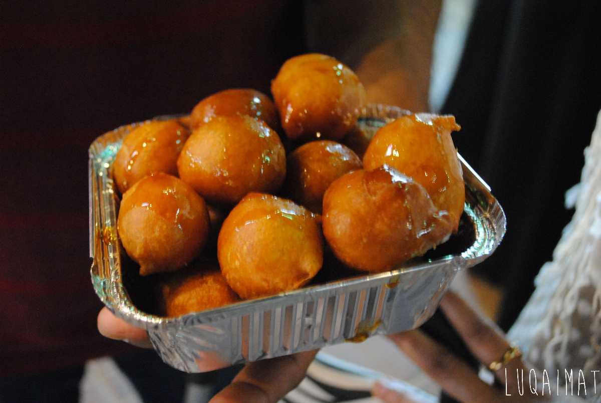 Luqaimat, Street food in Dubai