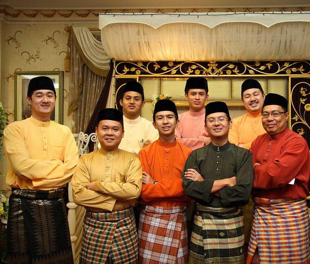 Baju Melayu in Singapore