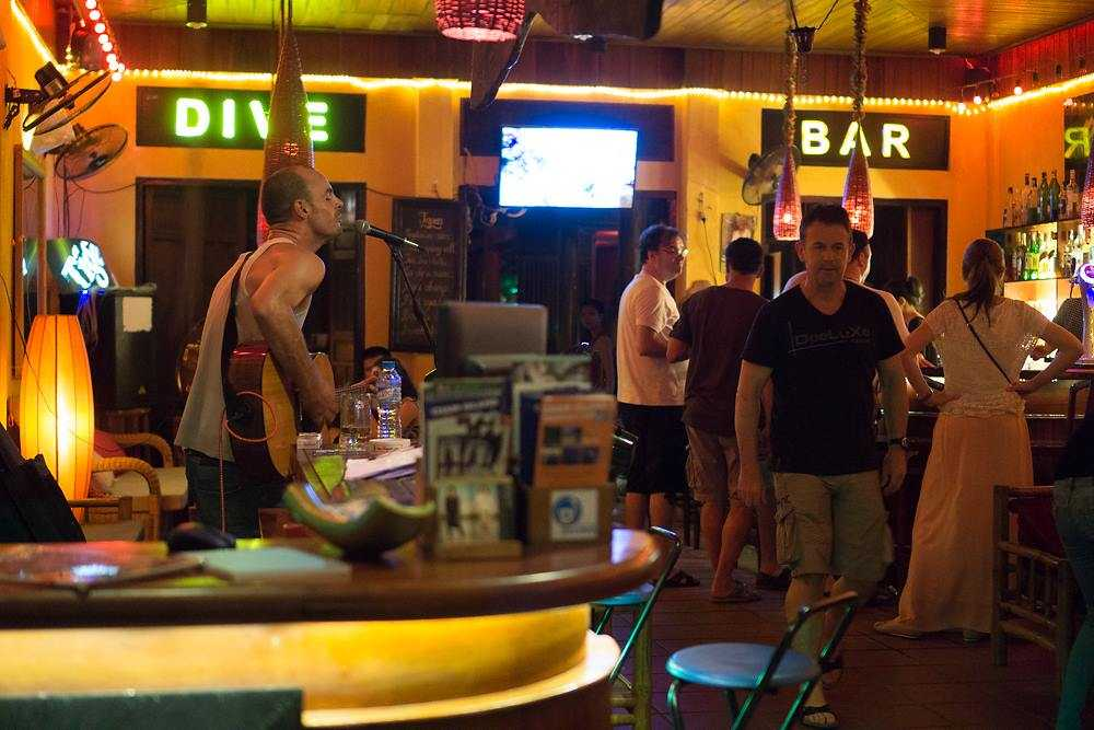 Dive Bar, Nightlife in Hoi An