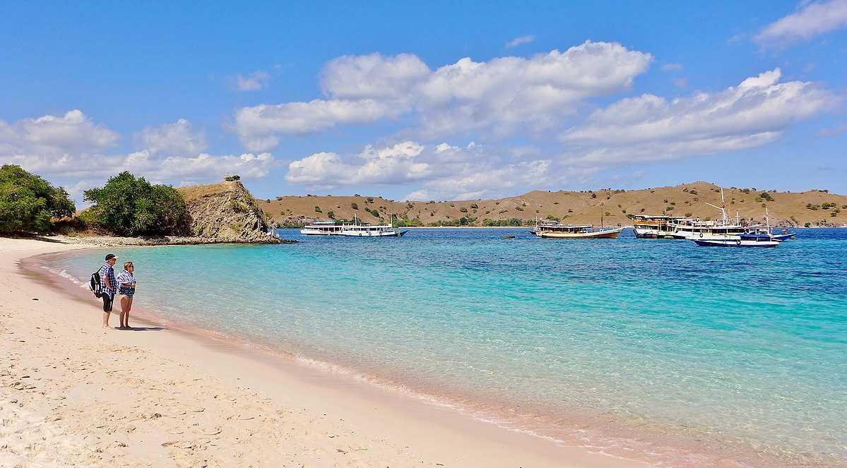 Pink Beach, Komodo