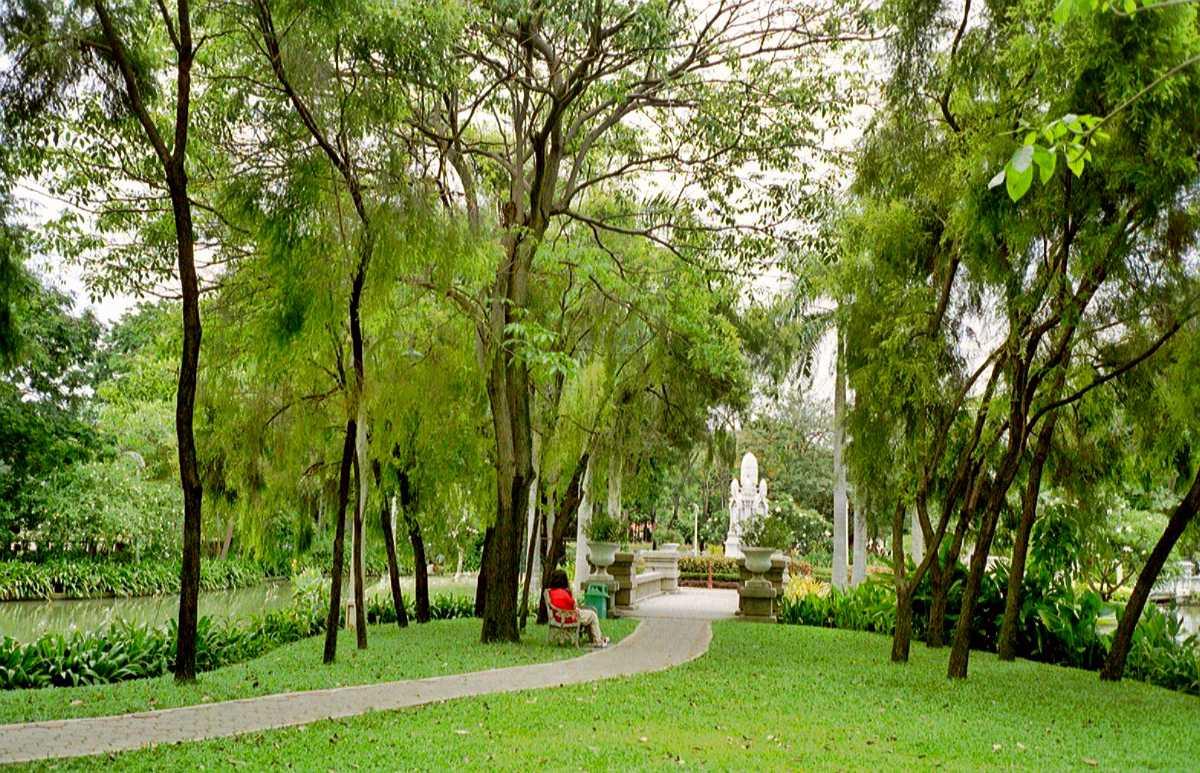 parks in bangkok, saranrom park
