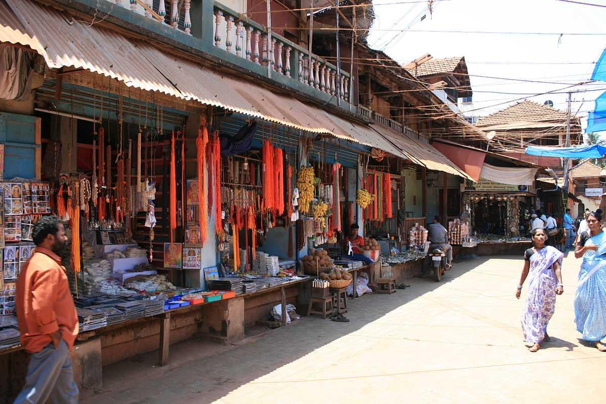 Street Shopping in Gokarna