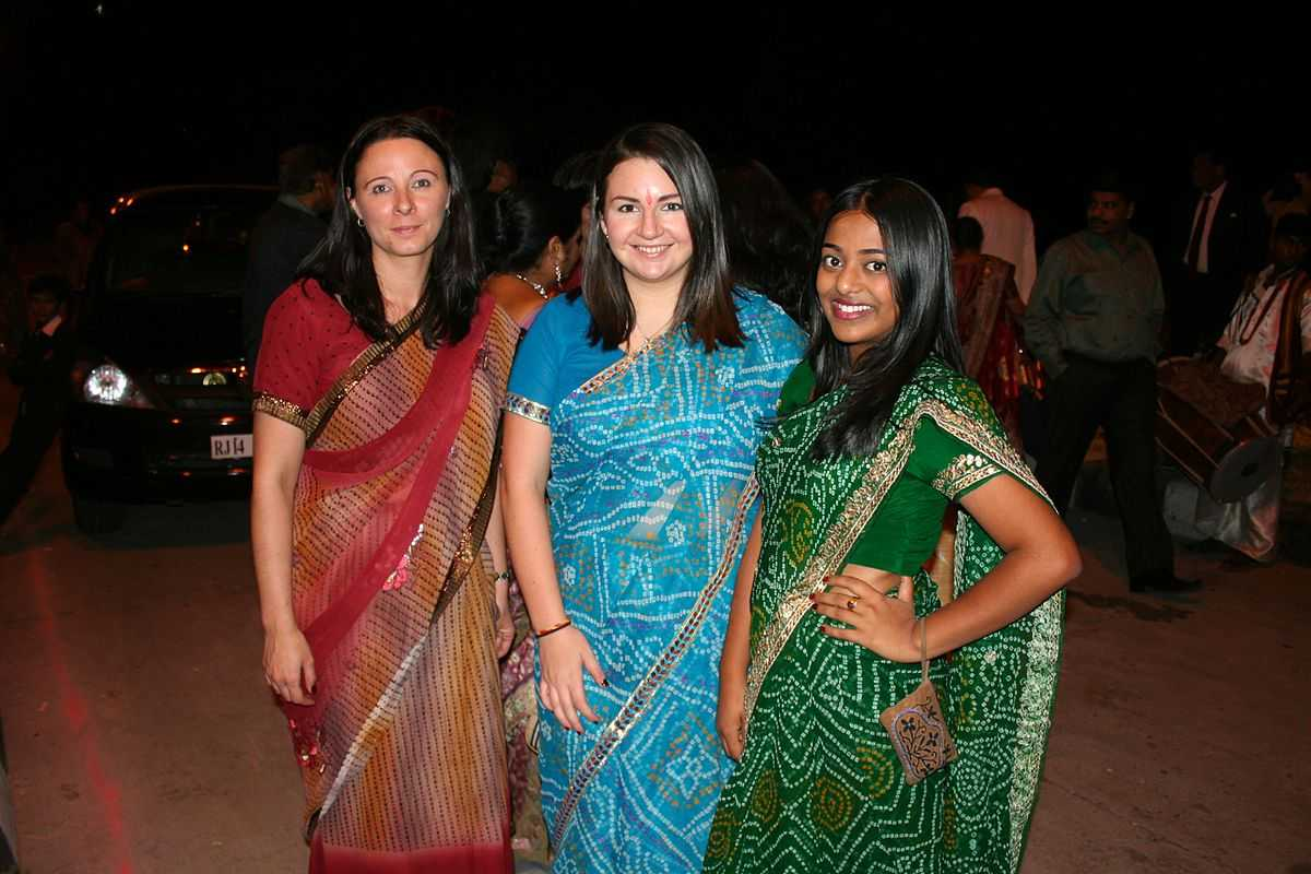 indian saris in Singapore