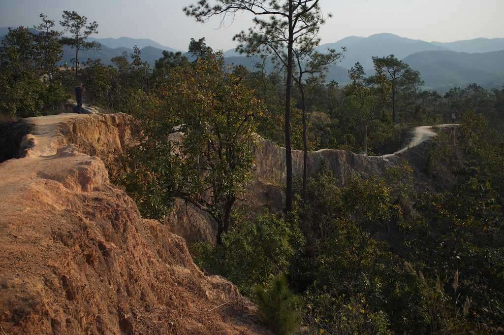 Hiking Trail Ledges in the Afternoon at Pai Canyon