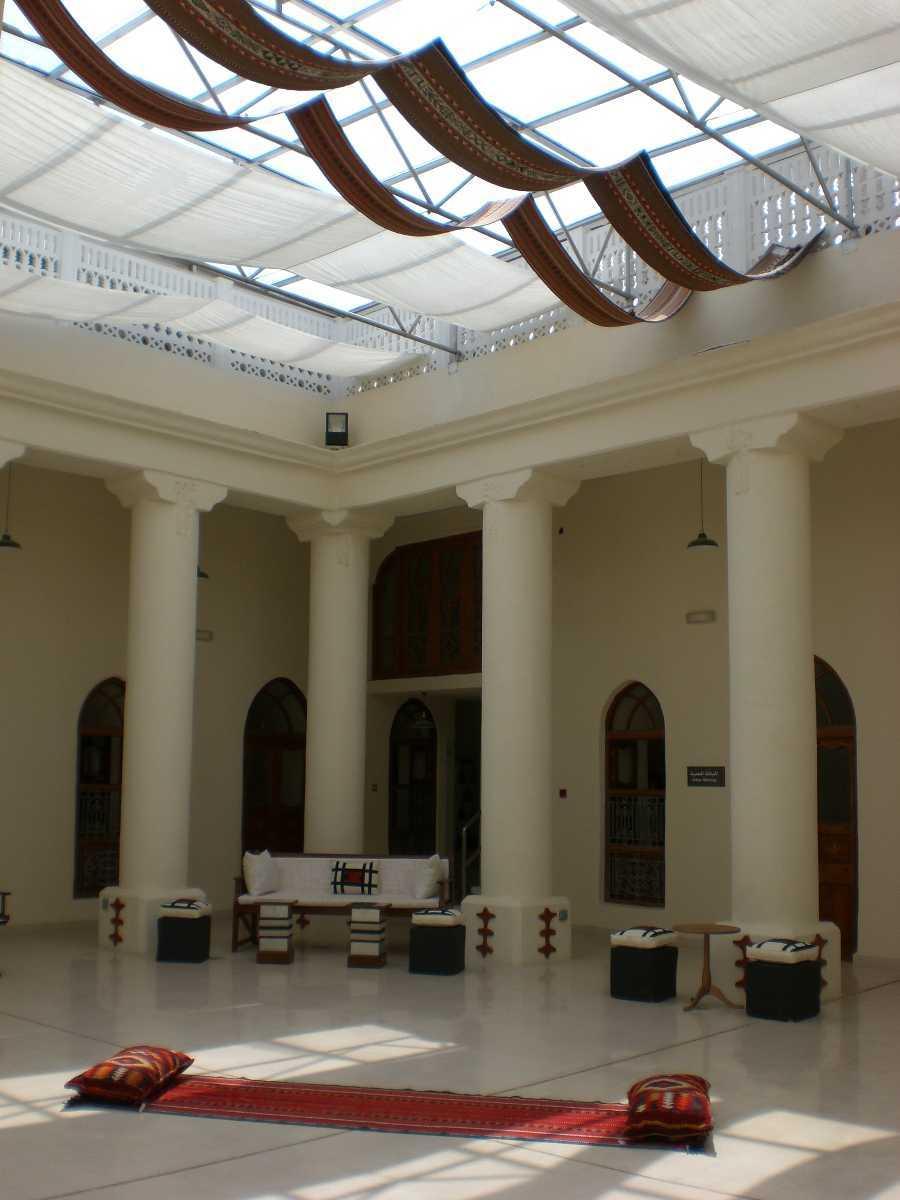 مجلس داخل متحف بالكويت