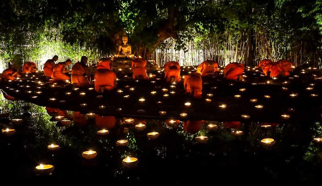 Candle Lit Ceremony at Wat Phan Tao on Visakha Bucha Day