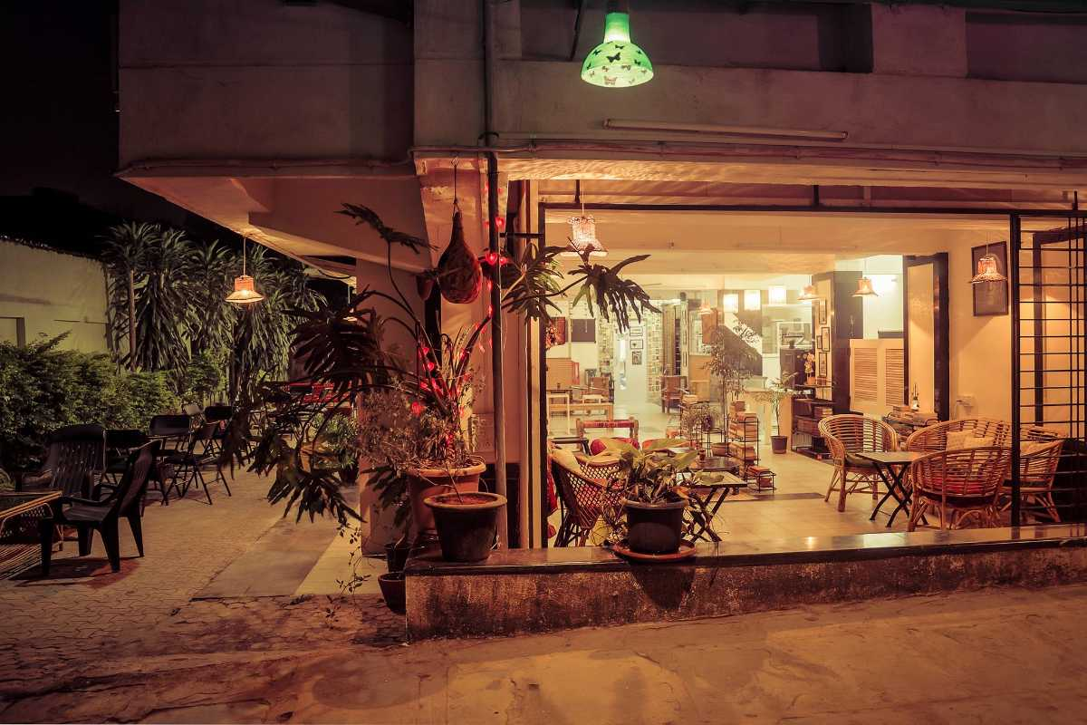 Waari Book Cafe, Cafes in Pune