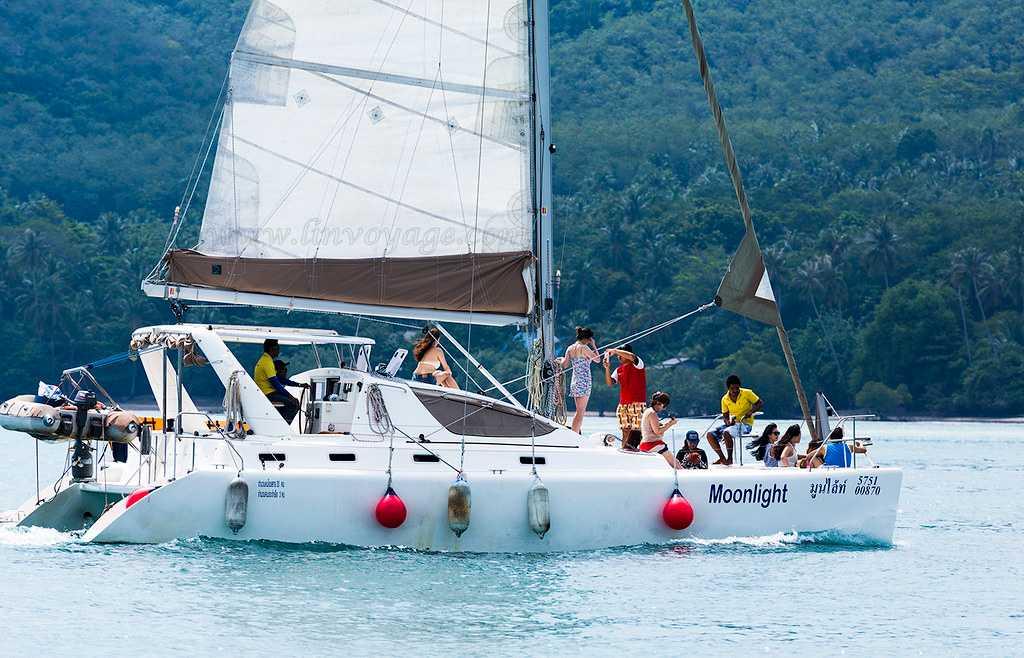 Group Sailing in Raya Islands, Phuket