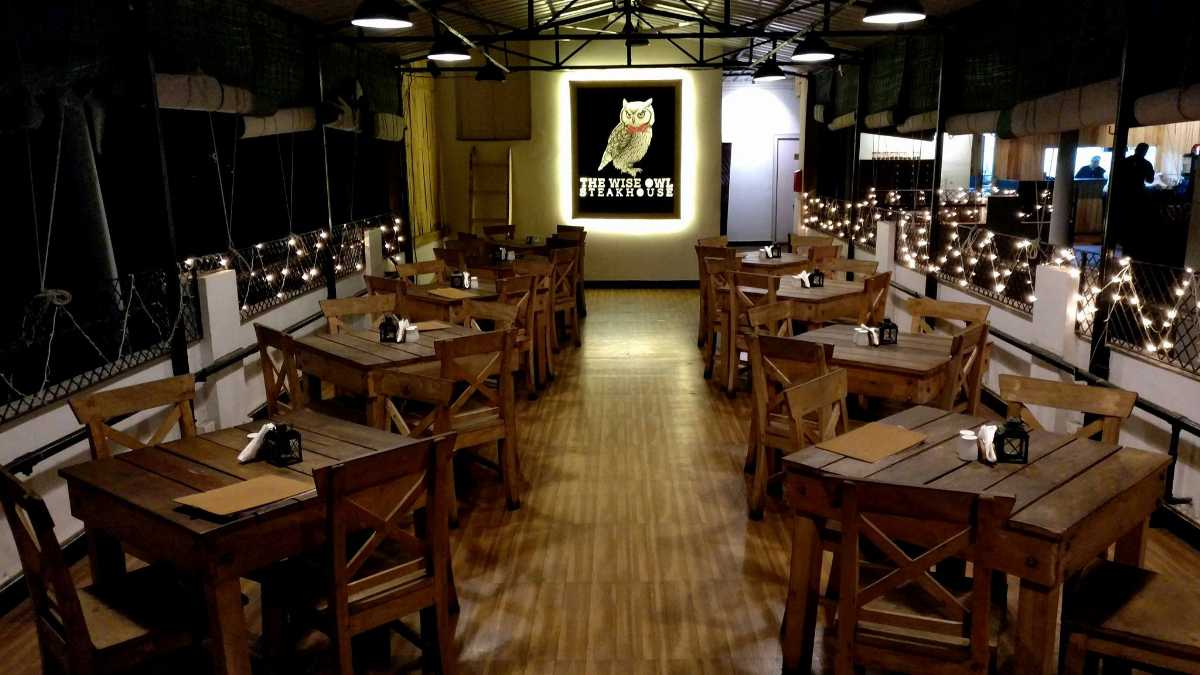 The wise owl cafe and steakhouse, cafes in kolkata