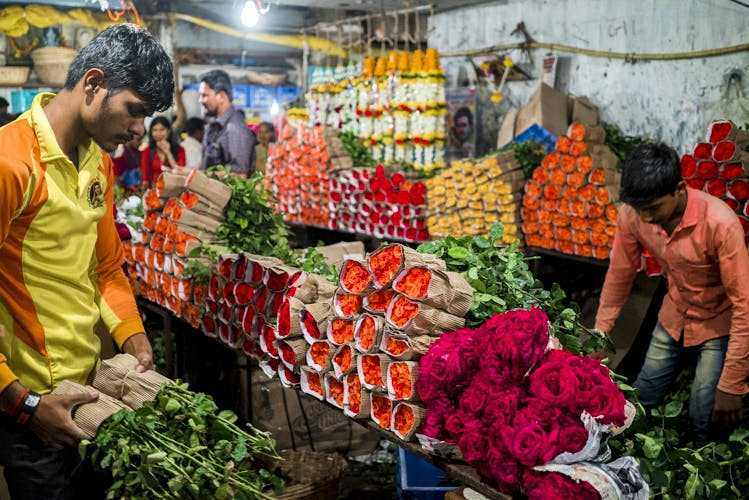 Flower Sellers at Dadar Flower Market, Shopping in Mumbai