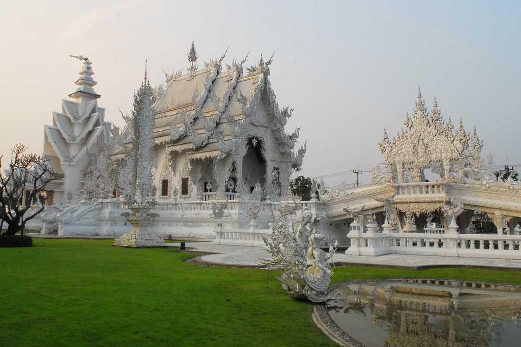 Ubosot, Wat Rong Khun