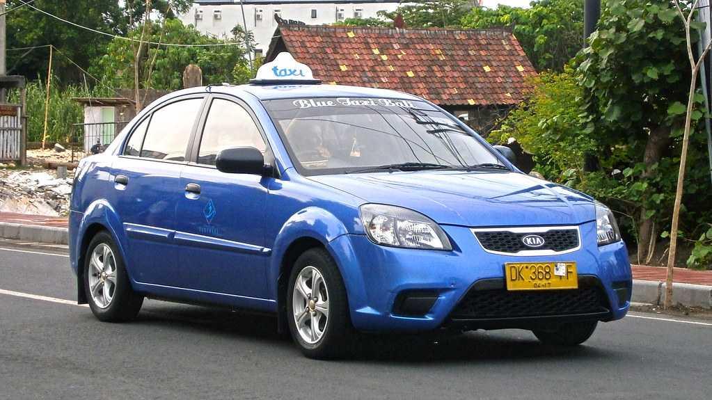 Renting a car in Bali