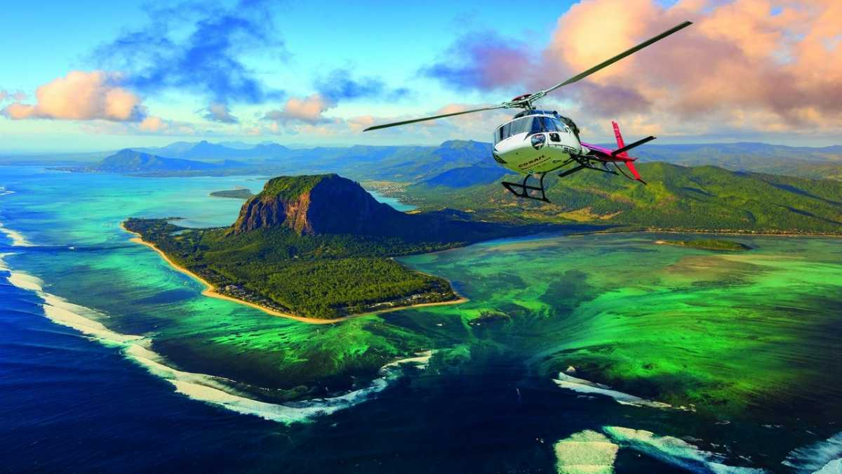 Helicopter Sightseeing tour, flight excursions in Mauritius, excursions in Mauritius