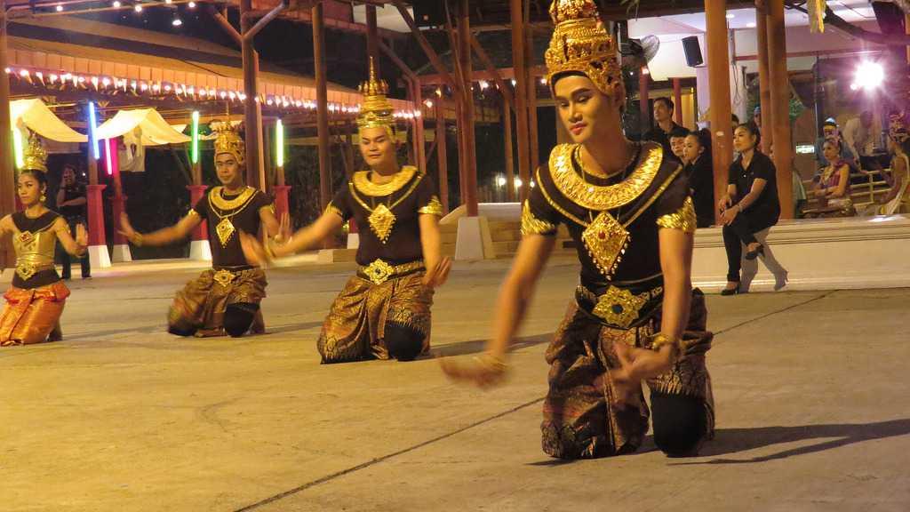 Cultural Dance at Siam Niramit