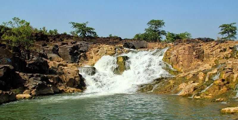 Kuntala Waterfalls