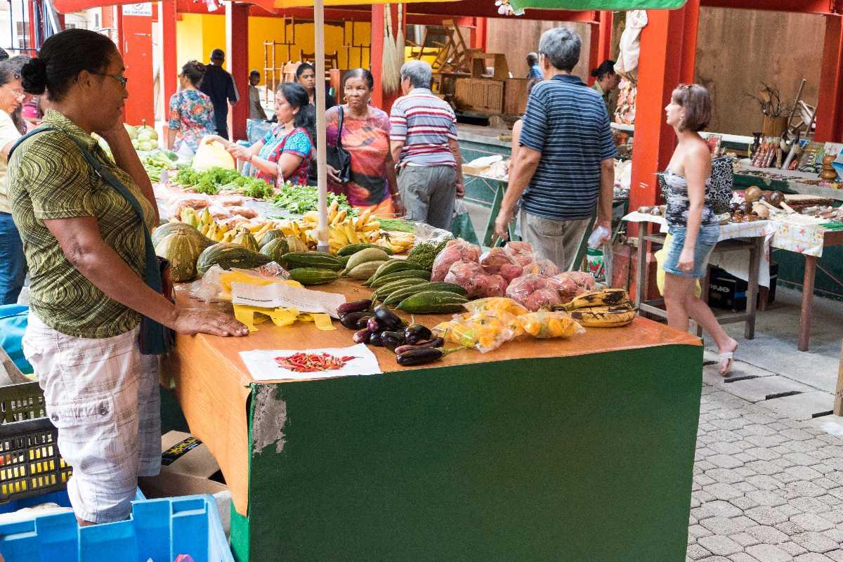 Sir Selwyn Clarke Market, Shopping in Seychelles