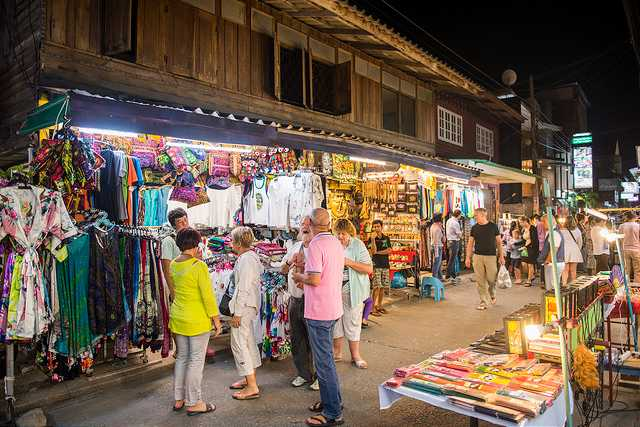 Fisherman's Village Walking Street, Family Places in Koh Samui