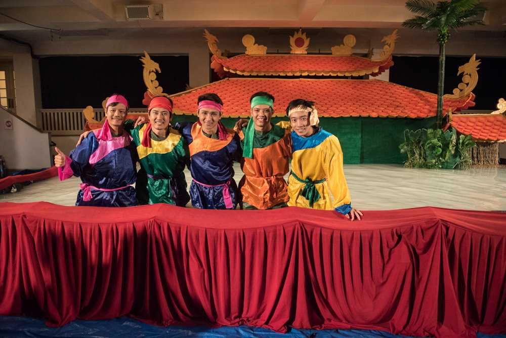 Performers at the Golden Dragon Water Puppet Theater