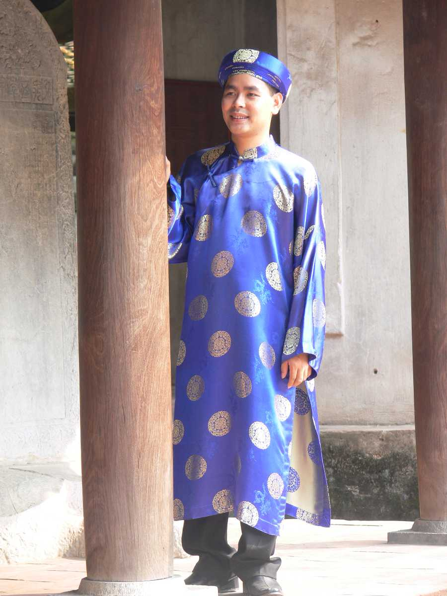 Traditional Vietnamese Dress, Ao Dai for Men