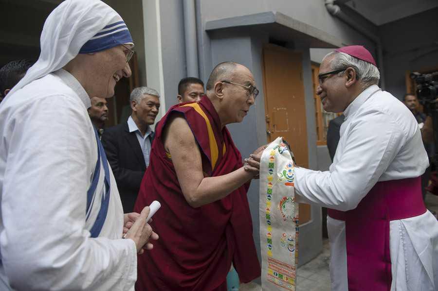 Dalai Lama Trust, Shopping in Ladakh