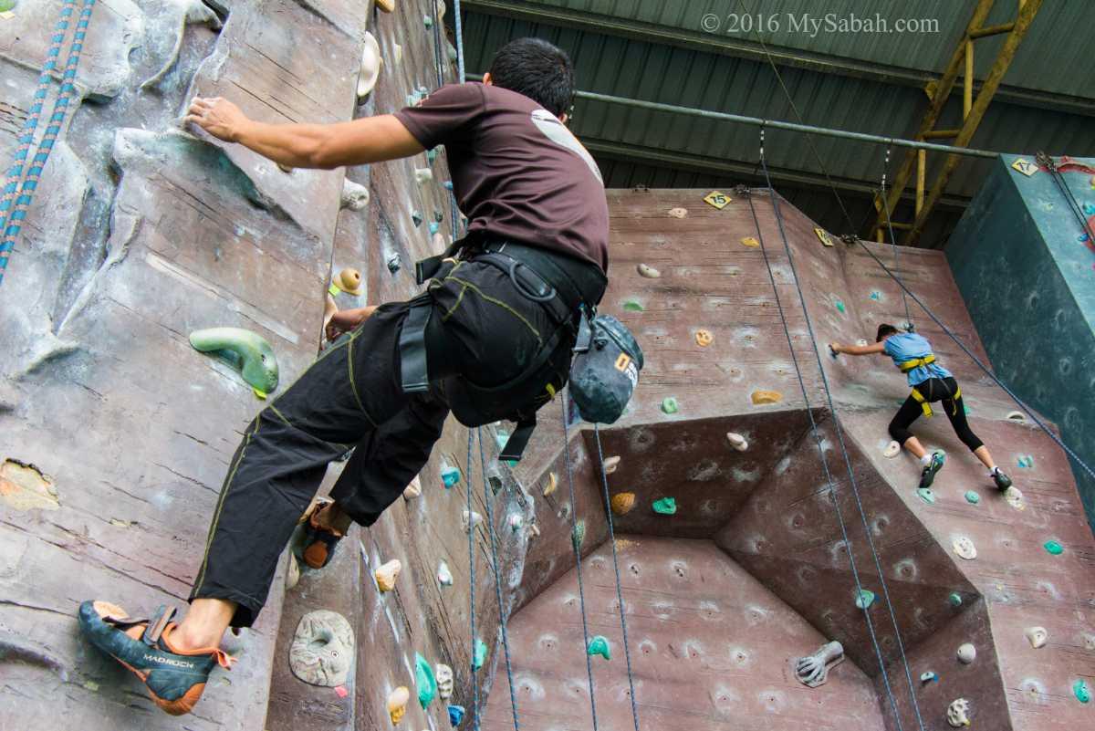 http://www.mysabah.com/wordpress/indoor-climbing-in-sabah/