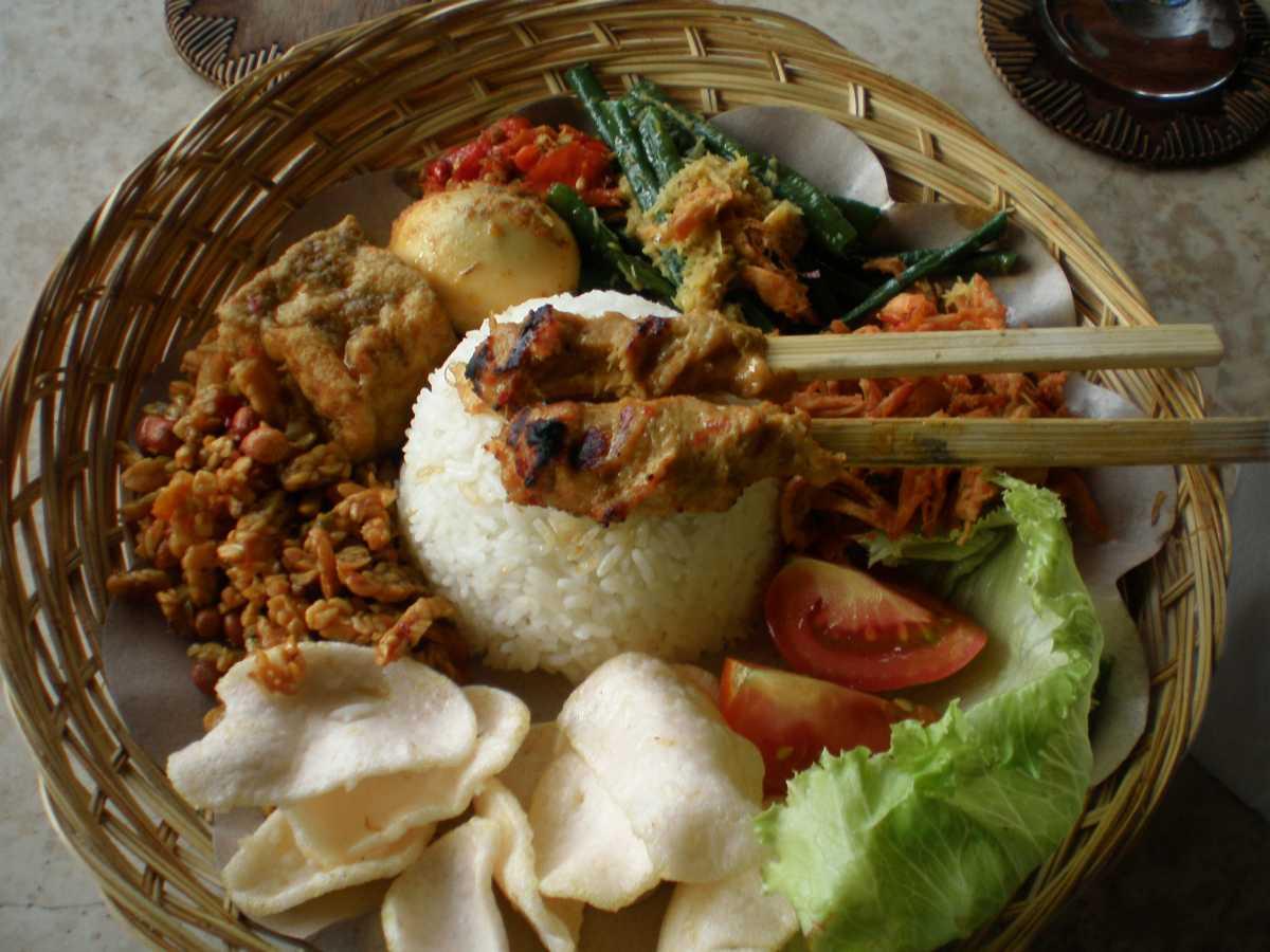 Nasi Campur, Street Food in Bali