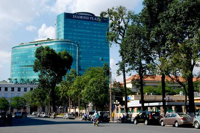 Diamond plaza, Shopping in Saigon