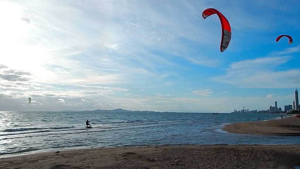 Kitesurfing at Pattaya Beach