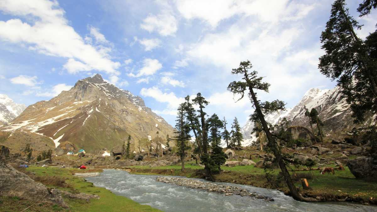 Har Ki Dun, Easy Treks in Uttarakhand and Himachal Pradesh