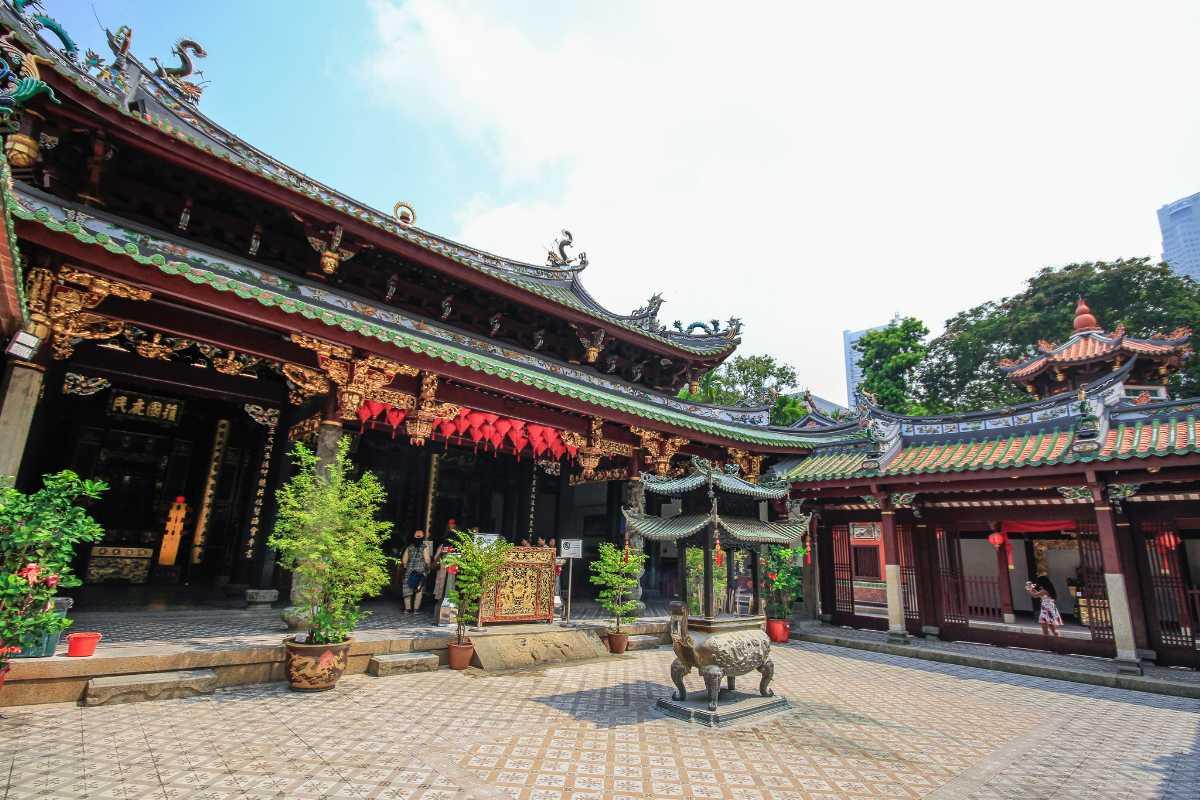 Thian Hock Keng Temple Courtyard