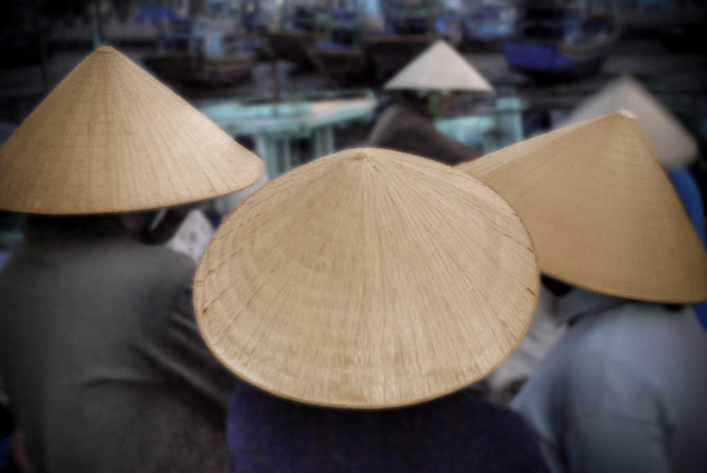 Shopping in Vietnam, Non La Conical Hat, What to Buy in Vietnam