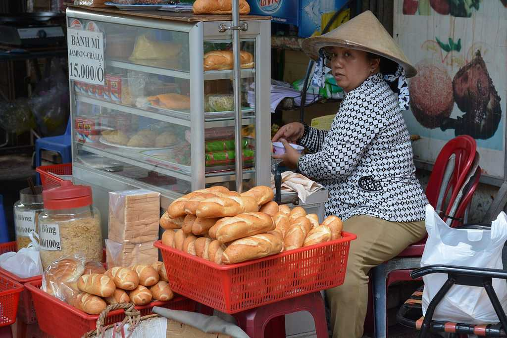 Cheap Places in Ho Chi Minh City, Banh Mi, Vietnamese Street Food