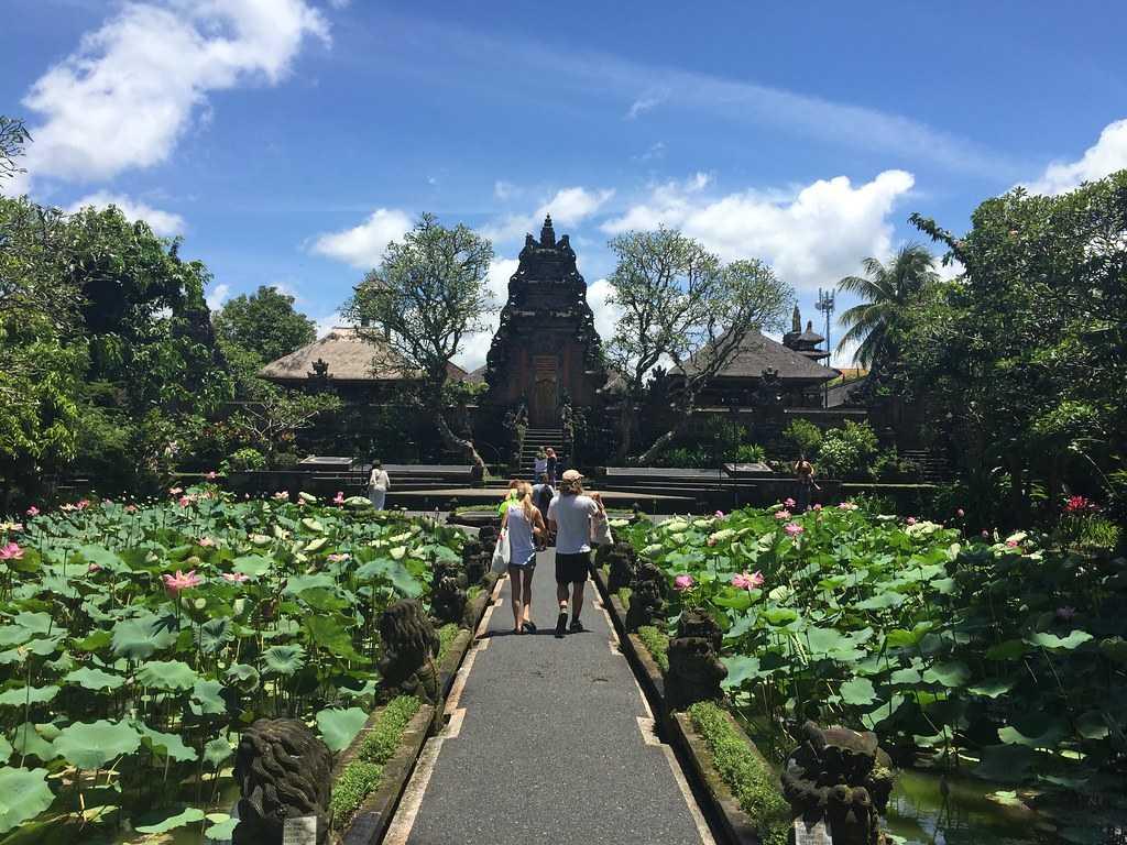 Pura Taman Saraswati Temple, Architecture of Bali