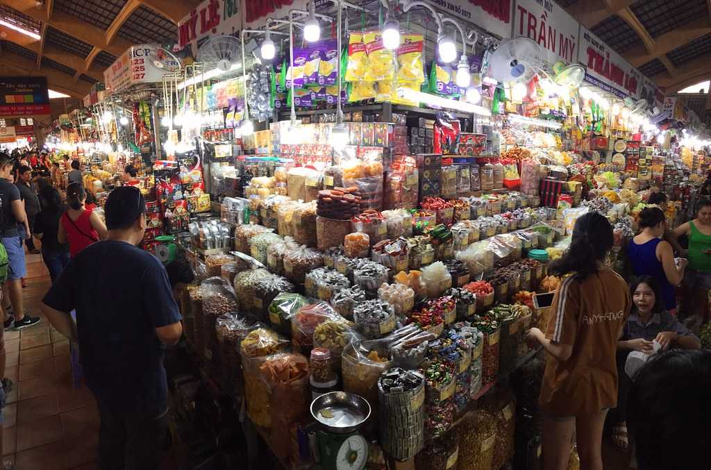 Ben Tanh Market, Shopping in Saigon