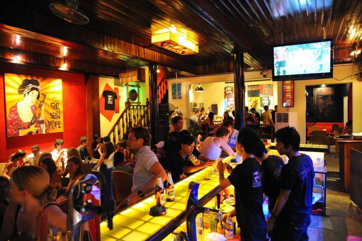 Before and Now Bar, Nightlife in Hoi An