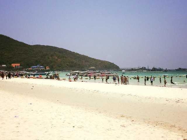 Koh Larn Beach