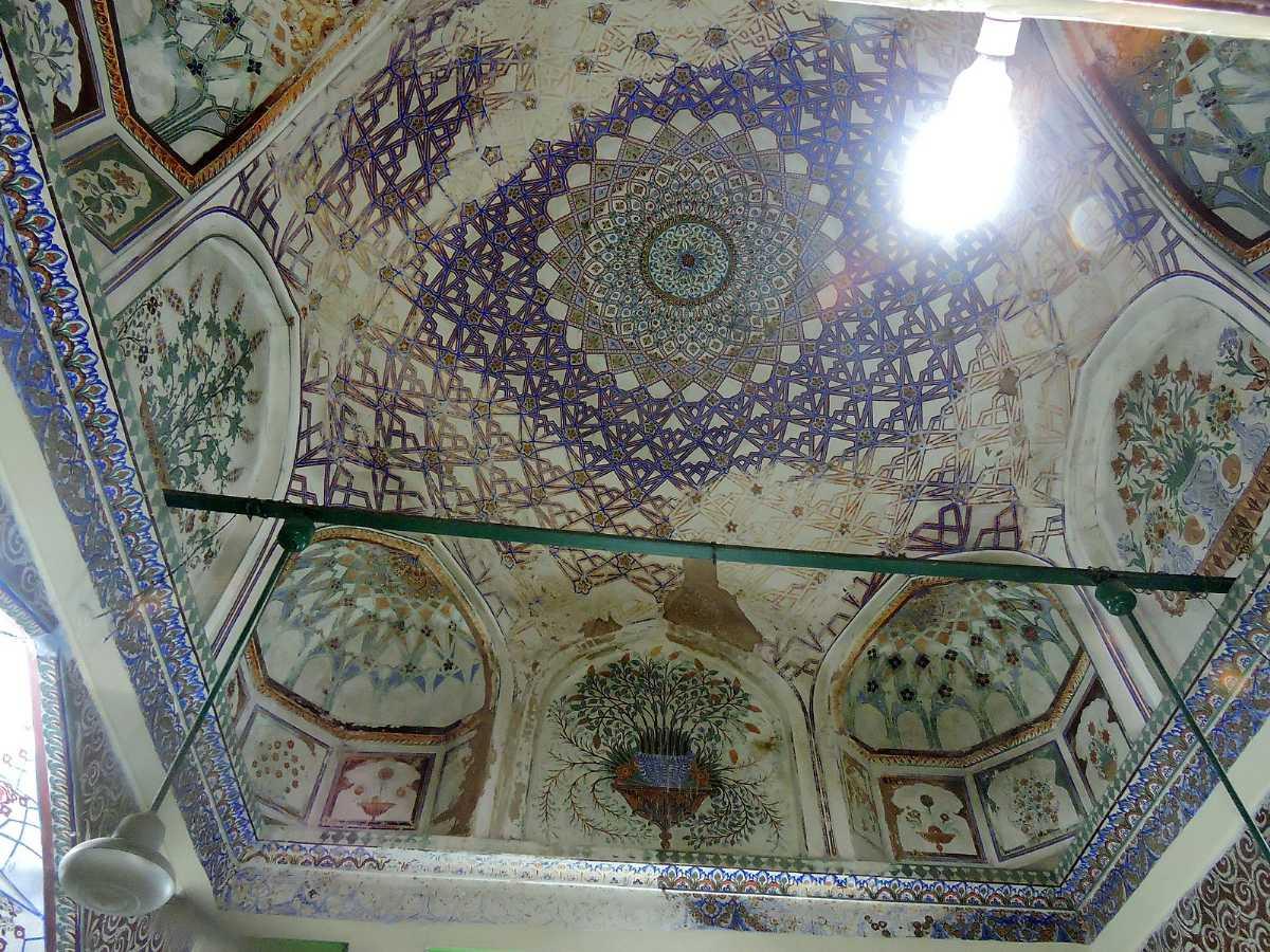 Islamic Art inside Rauza Sharif