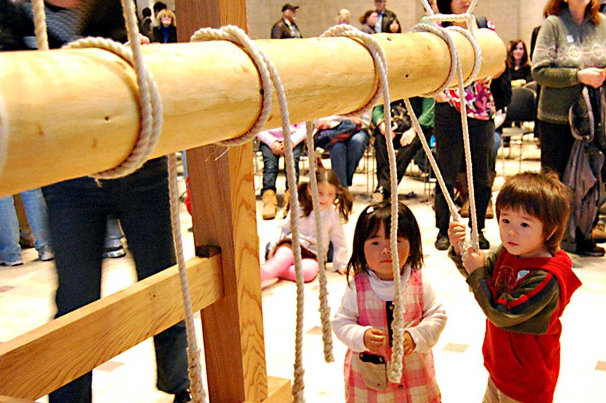 Ringing Bells In Temples 108 Times In Japan