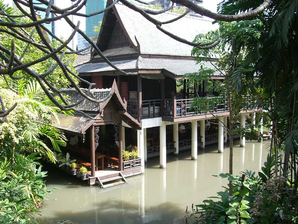 Suan Pakkad Palace Exhibits Traditional Thai Architecture