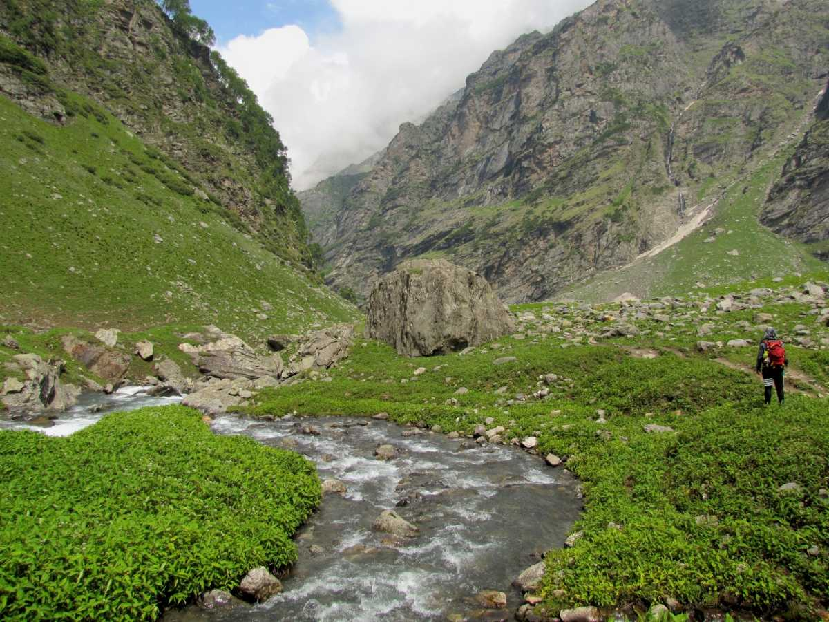 Hampta Pass, Easy Treks in Himachal and Uttarakhand