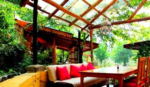 Johnson's Cafe, Cafes in Manali