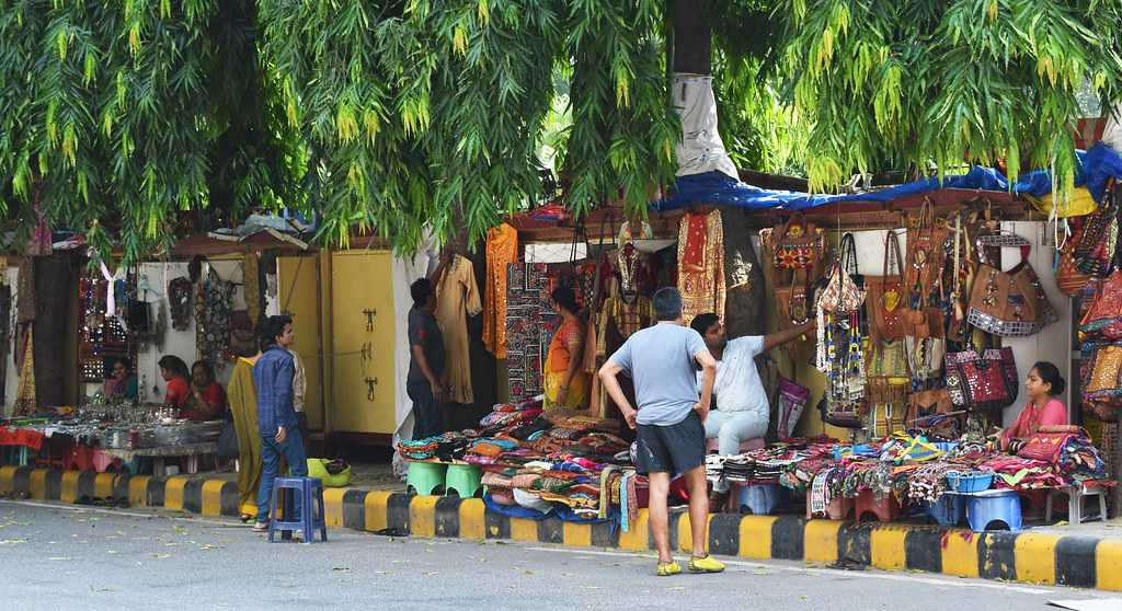 Janpath Market, Cheapest Places to Shop in Delhi