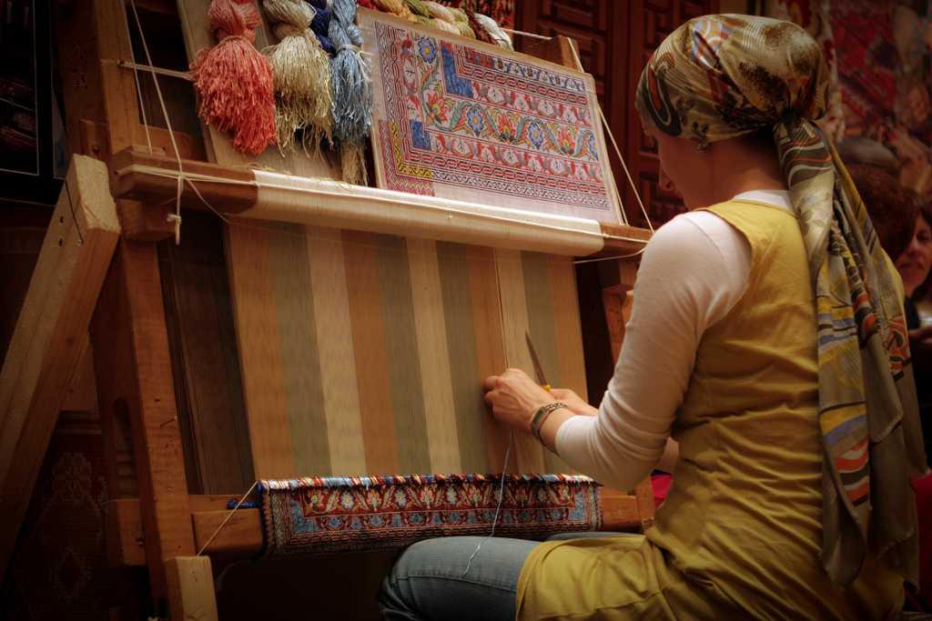 Handicrafts of India, Carpet Weaving